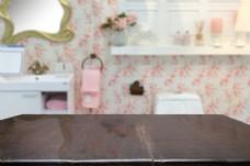 洗手间的桌子