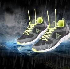 創意合成雨中鞋